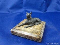 6084 Antik bronz kutya szobor farkaskutya