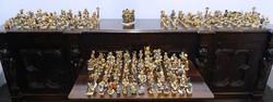 0O158 Hummel porcelán figura gyűjtemény 201 darab