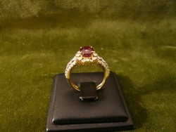 Rubinos - brilles arany gyűrű