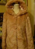 d72042496b Szőnyeg, Textil » Régi idők ruhái   Galéria Savaria online piactér ...