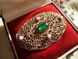 Antik filigrán bross zöld és opál kövekkel