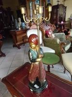 Bronz szobor gyertyatartóval