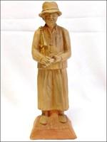 Botfaragó pásztor ,egyedi , jelzett, Varsányi Péter ,  terrakotta szobor.