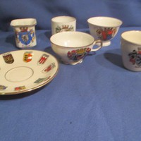 Címeres porcelán csészék   A075