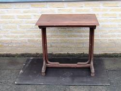 Thonett asztal