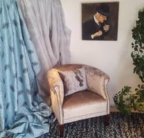 Art Deco fotel teljesen felújítva méretei: 75 x 75 x 70 cm. Áfás számla, szállítás megoldható.