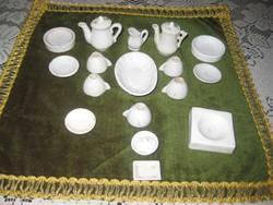Mini baba szervíz  porcelánból   19 darabos