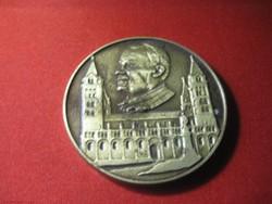 II.  János Pál  Pápa   pécsi látogatásénak emlékére kiadott   emlék érem  70mm