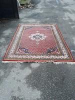Indiai szőnyeg. 239cm×175cm. Szép állapotban eladó.