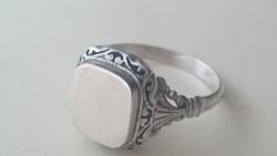 Ezüst pecsétgyűrű. Magyar Pénzverdei 935 ös. Nagyméretű