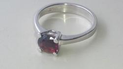 Ezüst granátköves gyönyörű gyűrű 925.   I.