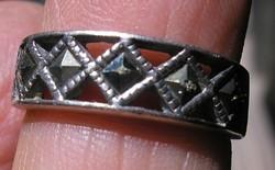 925 ezüst gyűrű, 16,6/52,1 mm, markazitokkal