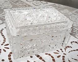 Régi kristály fedeles ékszeresdoboz