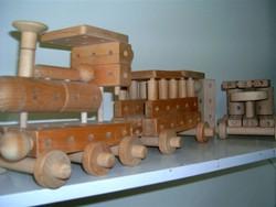 Retro Frédi járgány vonat vagy autó vagy űrlények