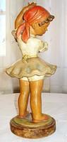 Gondos: almaszedő kislány (az 1940-es évekből) M =28 cm