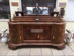 Antik bútor, Art Deco tálaló.