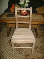 Antik szék faragott névvel és 1906-os évszámmal