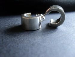 Divatos desing karika ezüst fülbevaló