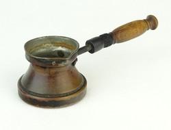 0Q880 Régi kisméretű nyeles réz kávékiöntő