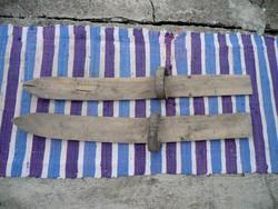 Antik kézi készítésű hótalp ami fenntart a havon bőrszíjjal 90 cm hosszú 8-9 cm széles