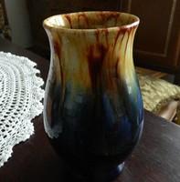 St. Peter Graz csurgatott mázas kerámia váza