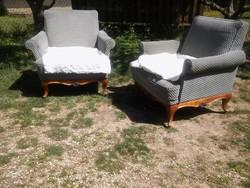 Csodás lábakon térben is elhelyezhető neobarokk rugós fotel 16500 Ft/db áron