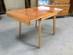Retro régi szétnyitható asztal hosszabbítható étkezőasztal 1974