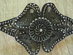 Szépséges antik filigrán virágos bross