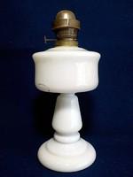 Régi  tejüveg petróleum lámpa talp