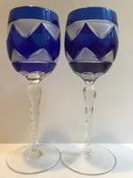 Metszett, hántolt borospohár párban, többrétegű üveg