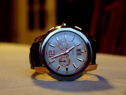 Gyönyörű nagyméretü Xylys óra. b9b3cfeab8