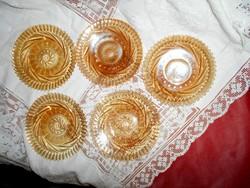 5 db lüszteres fénnyel üveg  tányér (300 Ft/ db)