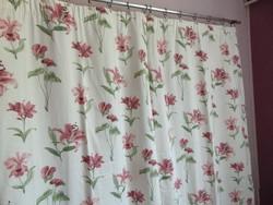 093ae2bbc3 Azálea, orchidea, liliom és flamingó virágos sötétítő függöny párban ...