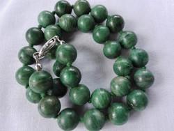Zöld ásványi gyöngysor