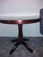 Tömörfa kerek asztal eladó.