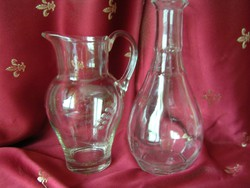 Üveg boros kancsó és butella
