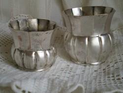 Ezüstözött fehér fém váza