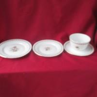 BO2 4 részes régi Káhla  reggeliző szett 2 süteményes 20-17 cm és csésze tányérral