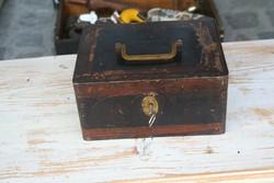 Antik páncélkazetta riasztószerkezettel