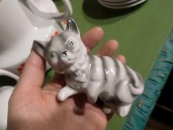 Jelzés nélküli , porcelán cica , hibátlan állapotban .