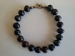 Fekete-gyöngy karlánc (tenyésztett gyöngy)