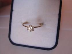 Tömör arany gyűrű szoliter gyémánt / moissanit kővel - klasszikus eljegyzési gyűrű