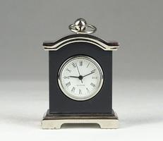 0R401 Kisméretű BB Quartz asztali óra