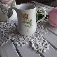 Tejszínes kis porcelán kiöntő, kancsó, tejkiöntő