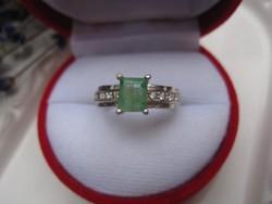 Klasszikus ezüst gyűrű ( sterling 925 ) természetes SMARAGD kővel