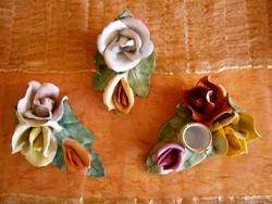 3 db Aquincumi porcelán rózsa: hármas, kettes és hármas gyertyatartóval egyben a 3 db
