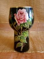 Virág, rózsa mintával festett nagyon szép fekete üveg váza Portugáliából 15 cm