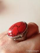 Piros köves gyűrű