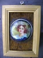 Csodálatosan szép miniatűr női portré fa keretben