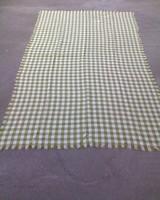 Zöld-fehér kockás asztalterítő 218x123 cm